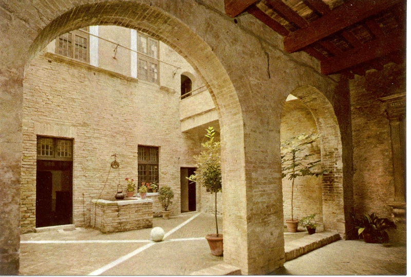 Urbino casa natale di raffaello - Piano casa marche ...