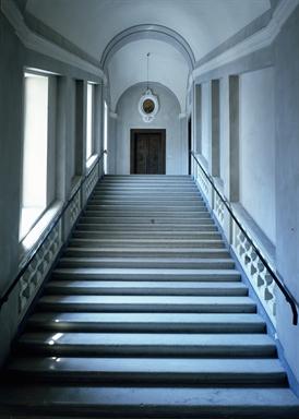 Scalone del Palazzo Vescovile, sede della Pinacoteca Diocesana