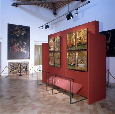 Veduta di una delle sale di Palazzo Priori, sede della Pinacoteca Civica
