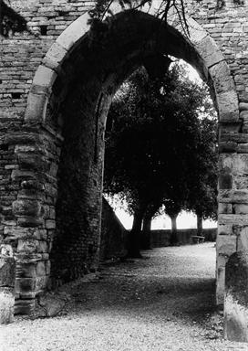 Porta di Monte Antico