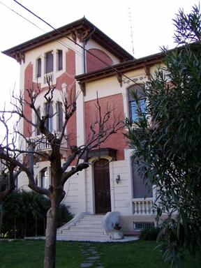 Villino in stile eclettico