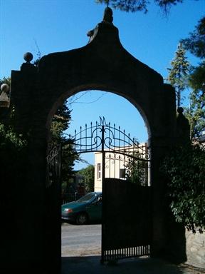 Porta di Villa Cattani-Stuart