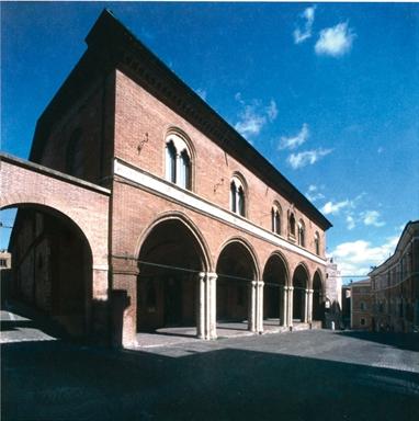 """Ex Ospedale di Santa Maria del Buon Gesù, sede della Pinacoteca Civica """"Bruno Molajoli"""""""