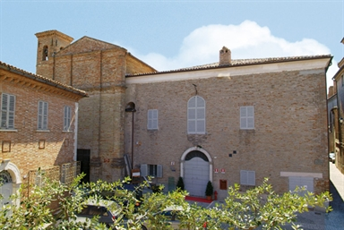 """Ex Convento di Santa Lucia sede del Museo Civico e della Biblioteca """"Tanfani"""""""