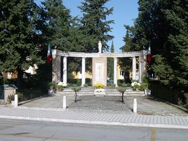 Monumento ai Caduti di Chiesanuova