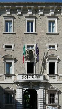 Facciata del Palazzo Ferretti, sede del Museo Archeologico Nazionale delle Marche