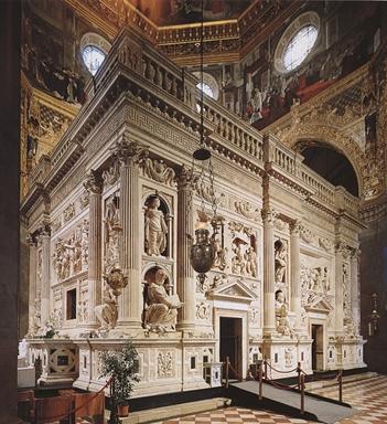 Esterno della Santa Casa nella Basilica di Loreto