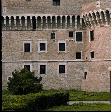 Particolare del retro della Rocca Roveresca