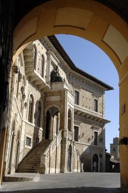 Palazzo dei Priori in Piazza del Popolo, sede del Polo museale di Fermo