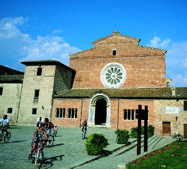 Abbazia di Santa Maria di Chiaravalle di Fiastra