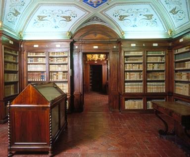 Una delle Sale della Biblioteca Mozzi Borgetti